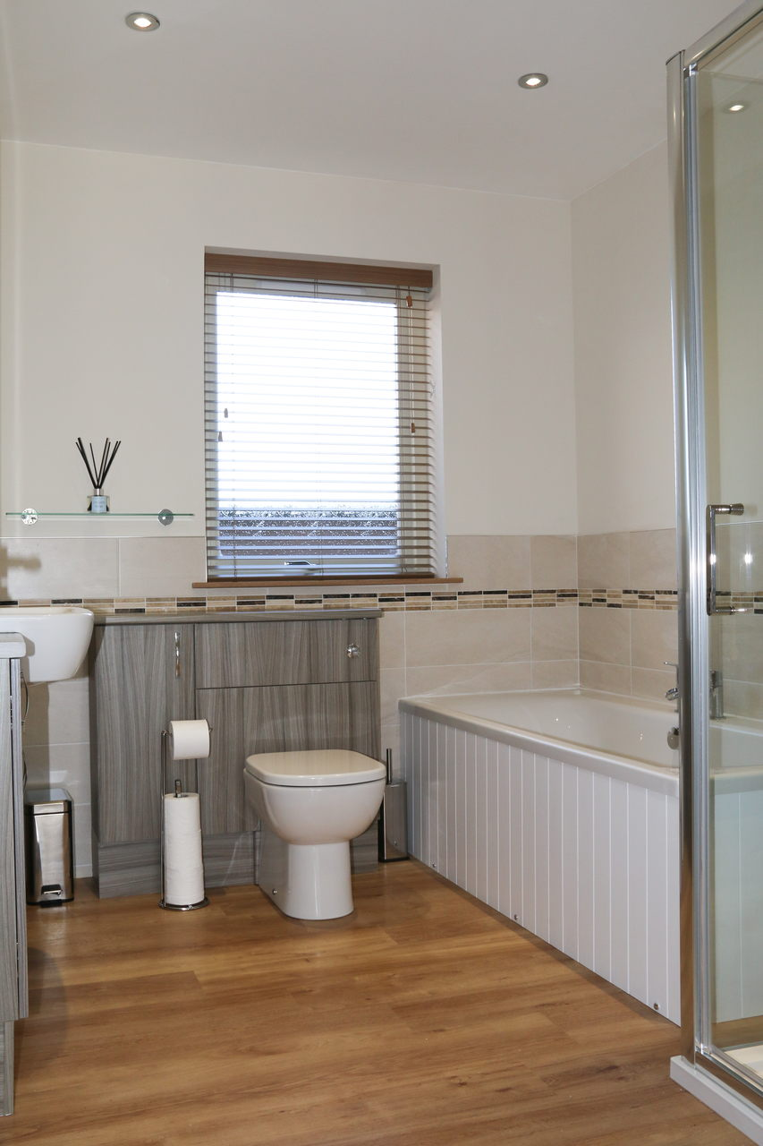 Holiday Cottage Family Bathroom
